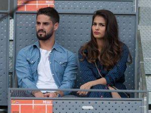 Tin bóng đá 27/3: Vợ chồng sao Real Madrid quyên góp chống COVID-19