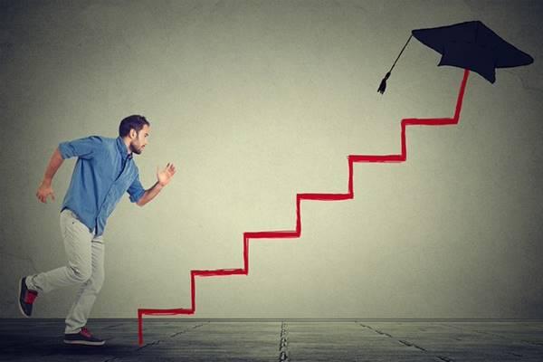 Giải mã giấc mơ thấy cầu thang là điềm báo gì nên đánh con số nào
